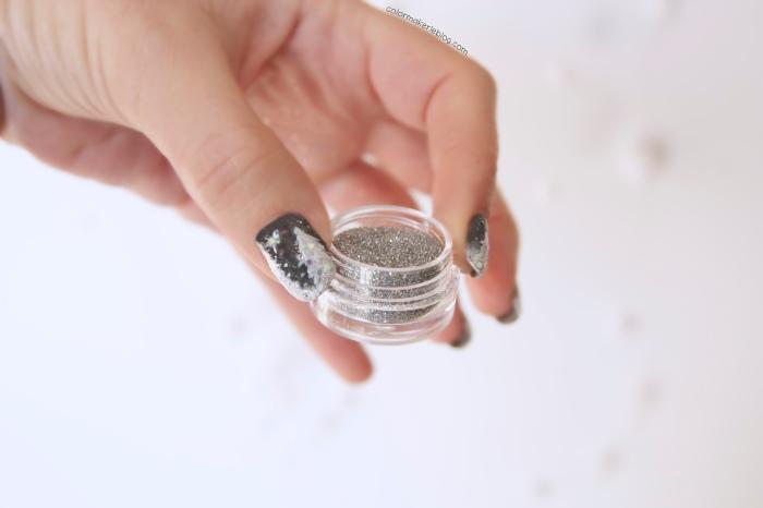 paillettes nail art